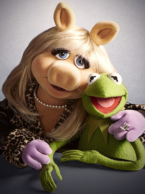 Photo courtesy of FanPop.com http://images5.fanpop.com/image/photos/26900000/Miss-Piggy-Kermit-miss-piggy-and-kermit-26995153-300-400.jpg